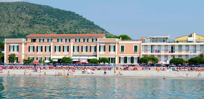 Hotel Casa Balneare Valdese Pietra Ligure, Savona, Liguria ...