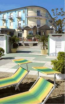 Hotel acquario torre pedrera rimini emilia romagna for Acquario aperto prezzi