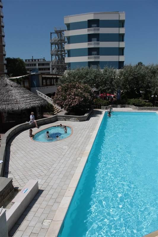 Grand hotel azzurra club lido adriano ravenna emilia - Del taglia piscine opinioni ...