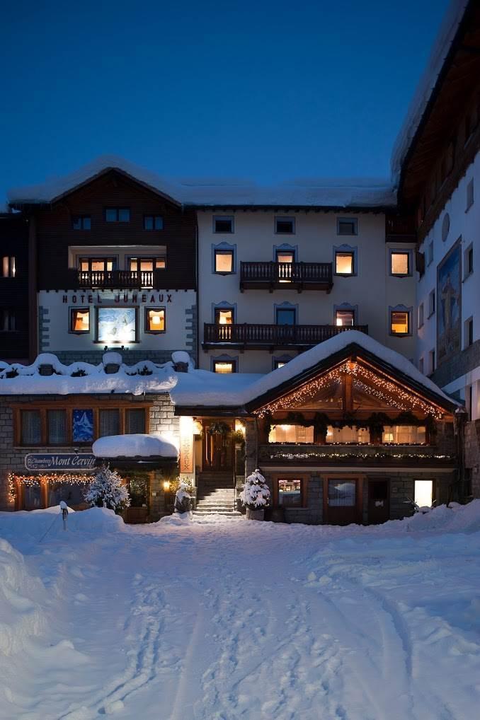Hotel jumeaux valtournenche aosta valle d 39 aosta eng for Design hotel valle d aosta